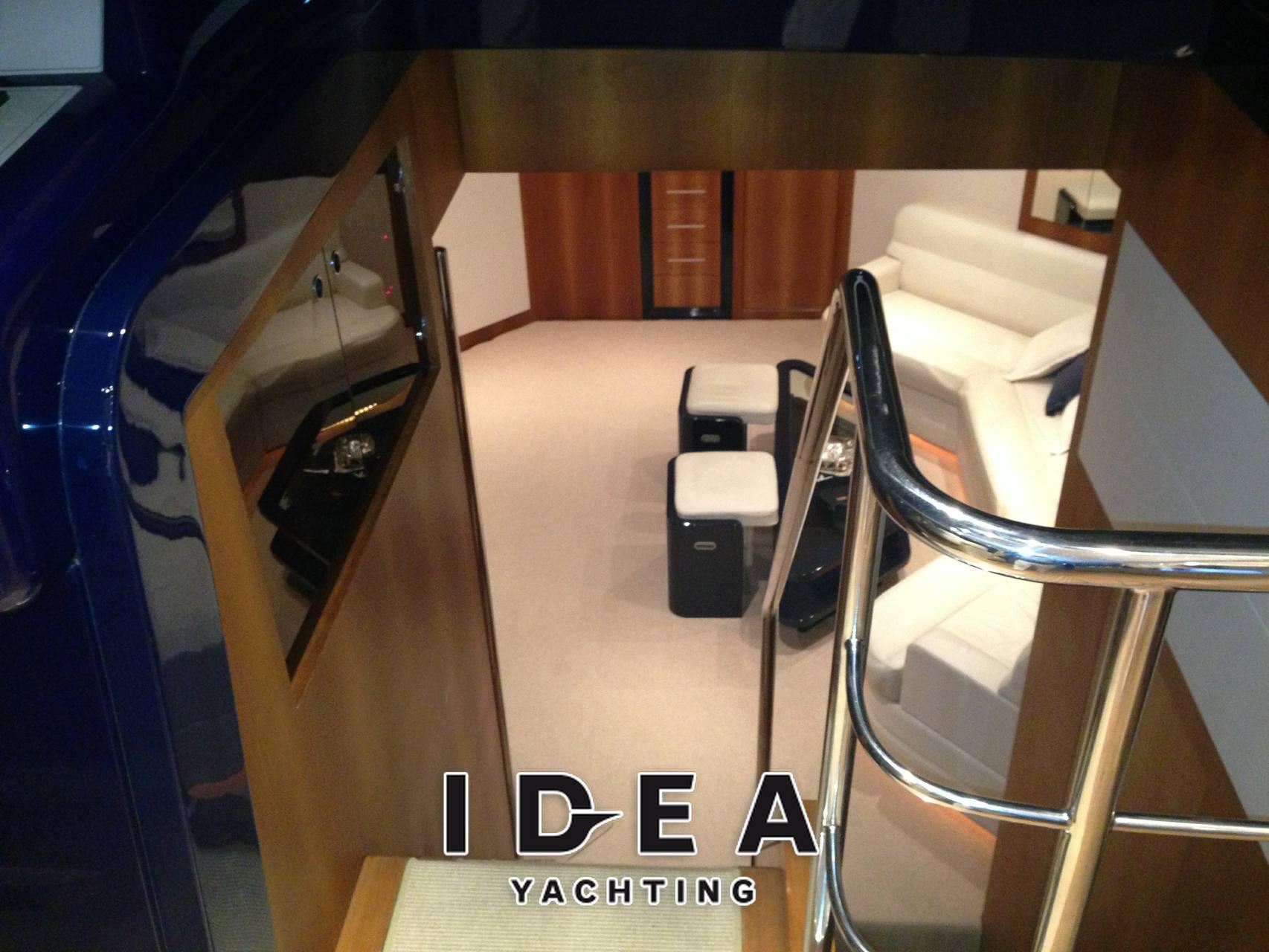 Riva Splendida 72 - Photo Inside: detail 1