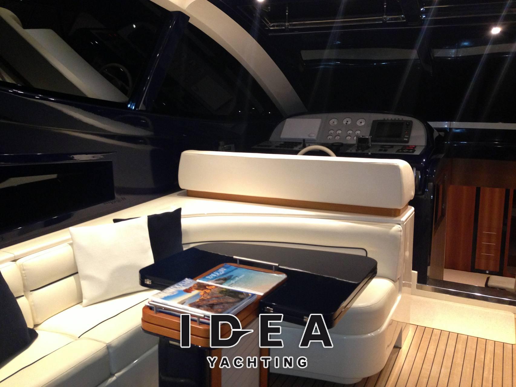 Riva Splendida 72 - Photo Inside: detail 4