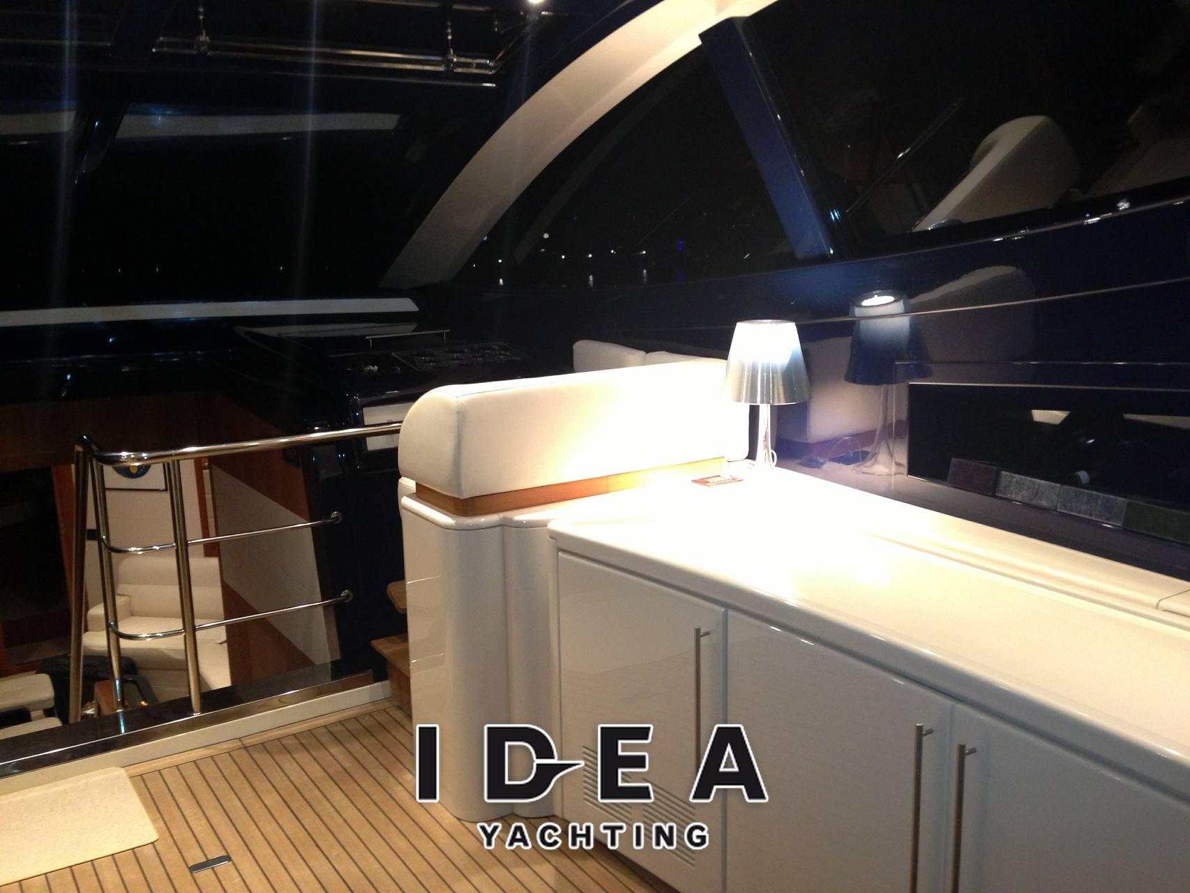 Riva Splendida 72 - Photo Inside: detail 2