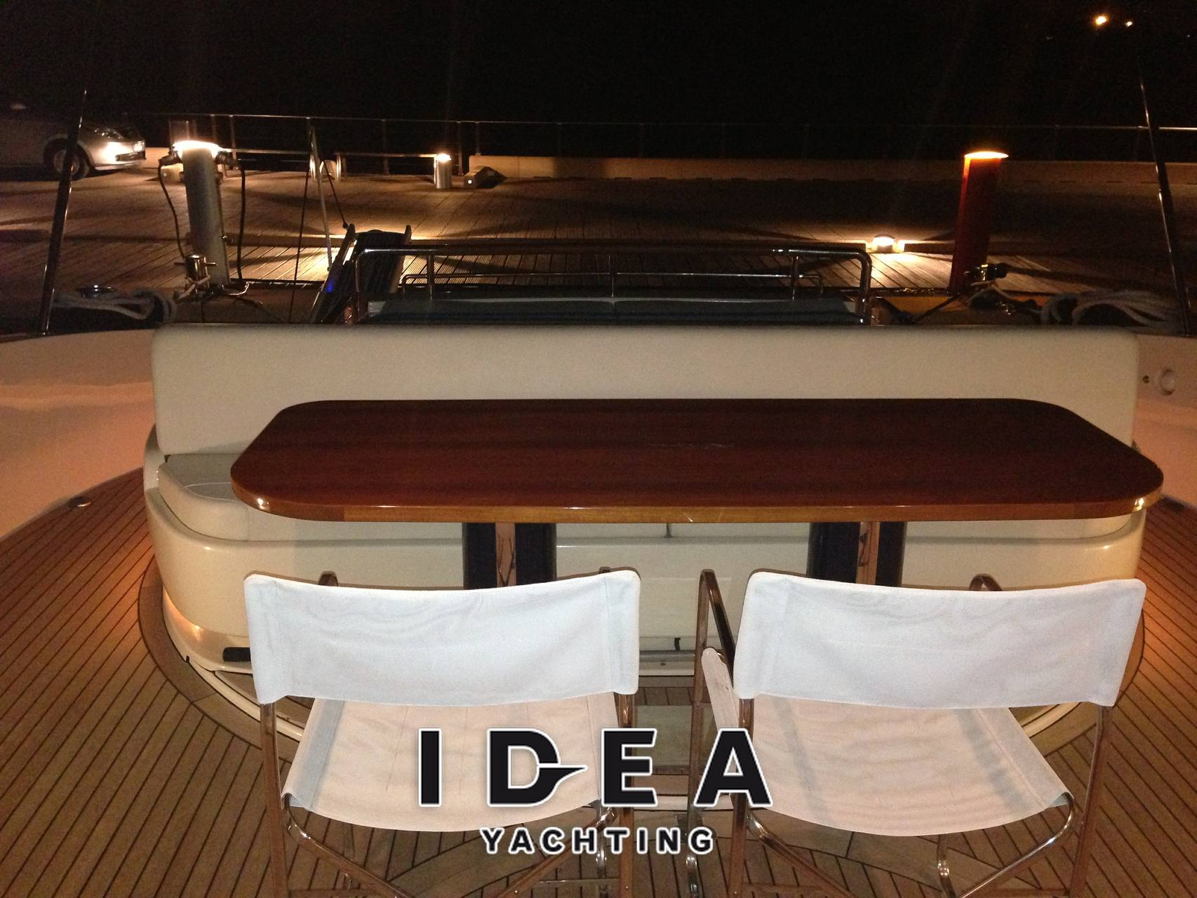 Riva Splendida 72 - Photo Exterior: detail 1