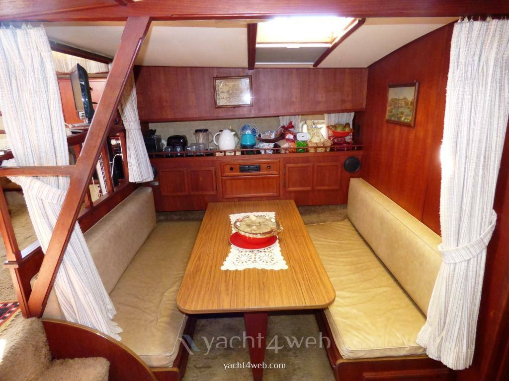 Viking 43 double cabin Motor boat used for sale
