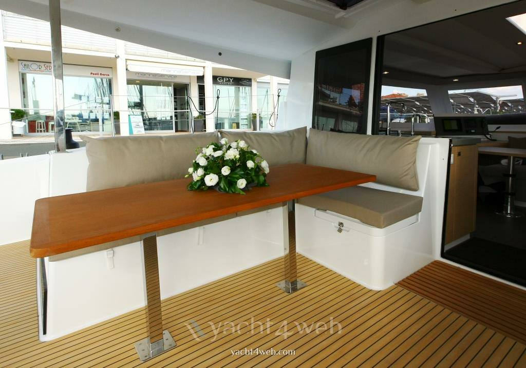 Fountaine pajot Lucia 40 使用