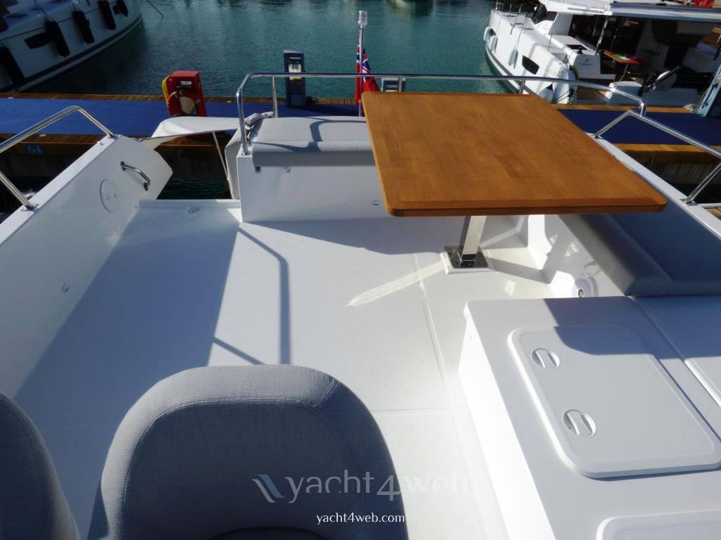 FOUNTAINE PAJOT My 37 机动船 新发售