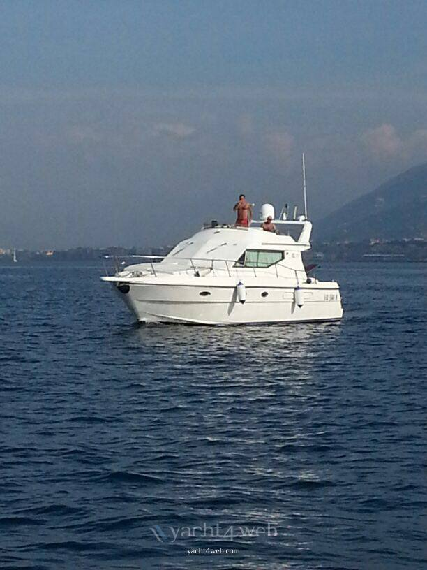 Azimut 37.9 Motor boat used for sale