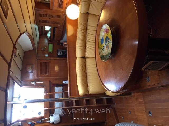 Young Sun Yacht Tayana surprise 45 Крейсера используется