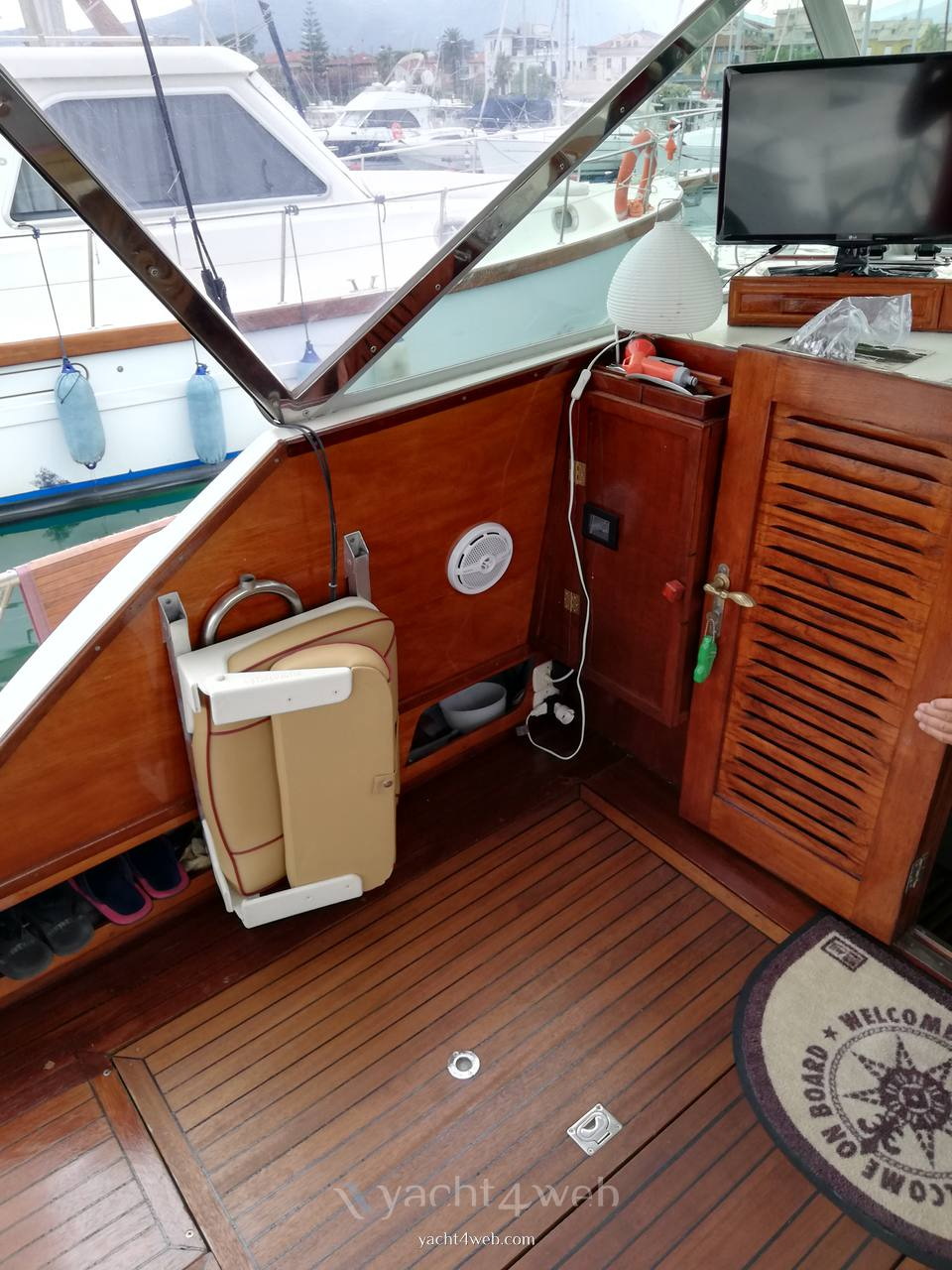 Chris-Craft Express 30 barca a motore