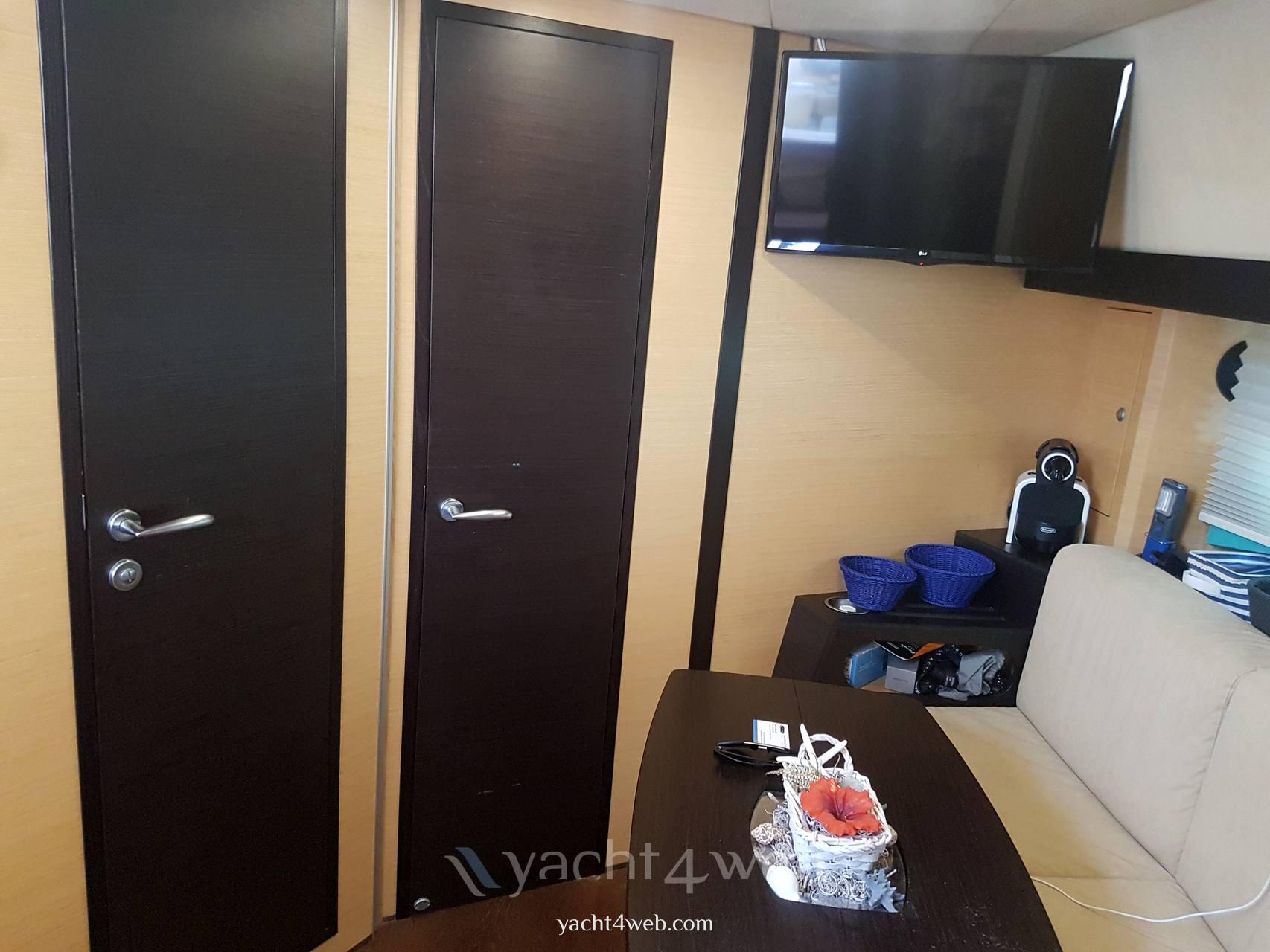 CRANCHI Zaffiro 36 Inside