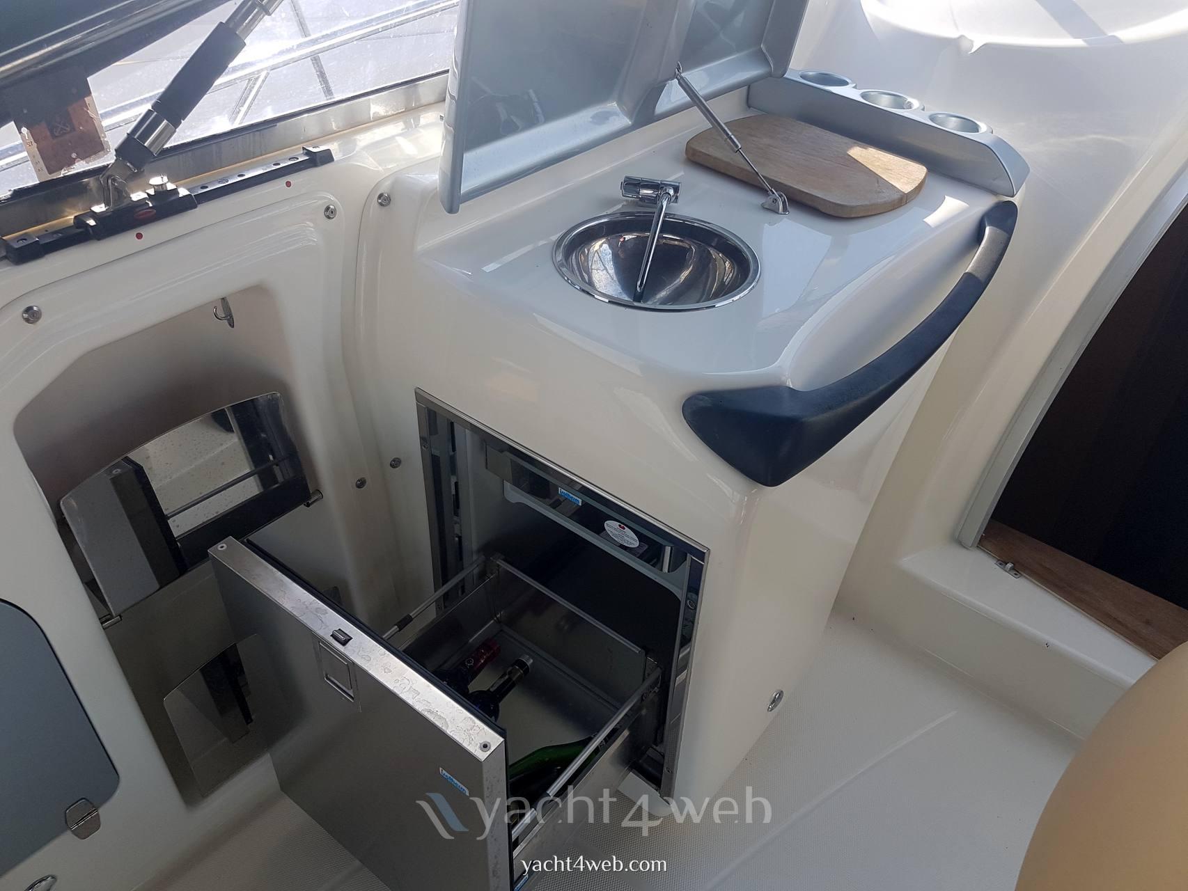 CRANCHI Zaffiro 36 Inside: detail