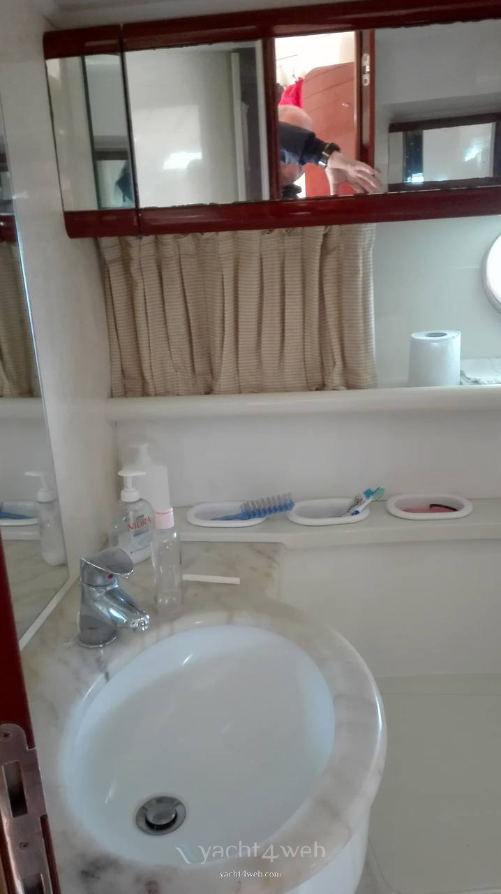 Ferretti 150 fly - Fotos Servicio higiénico 1