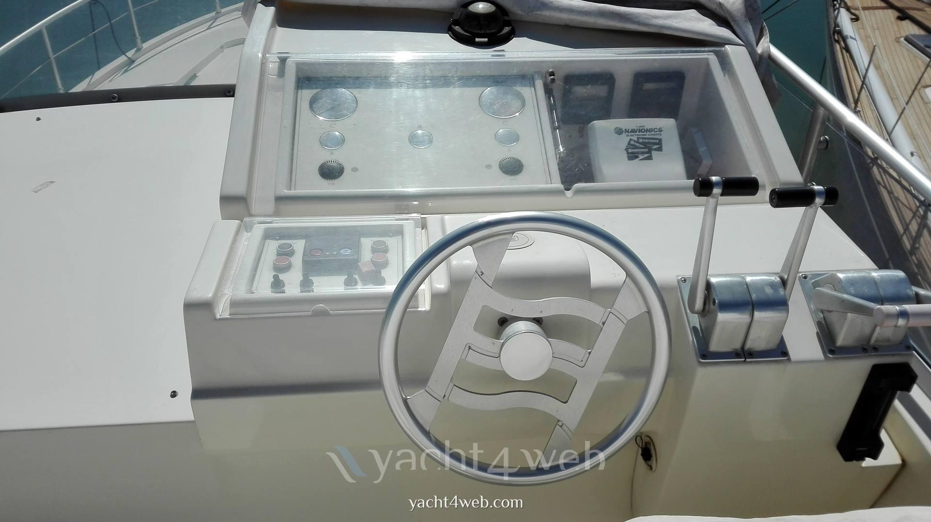Ferretti 150 fly Barca a motore usata in vendita