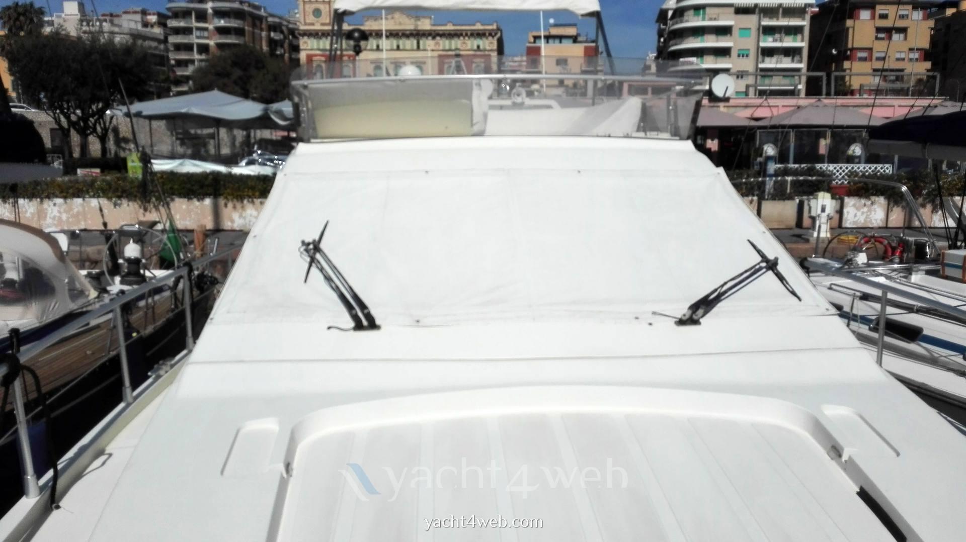 Ferretti 150 fly barca a motore