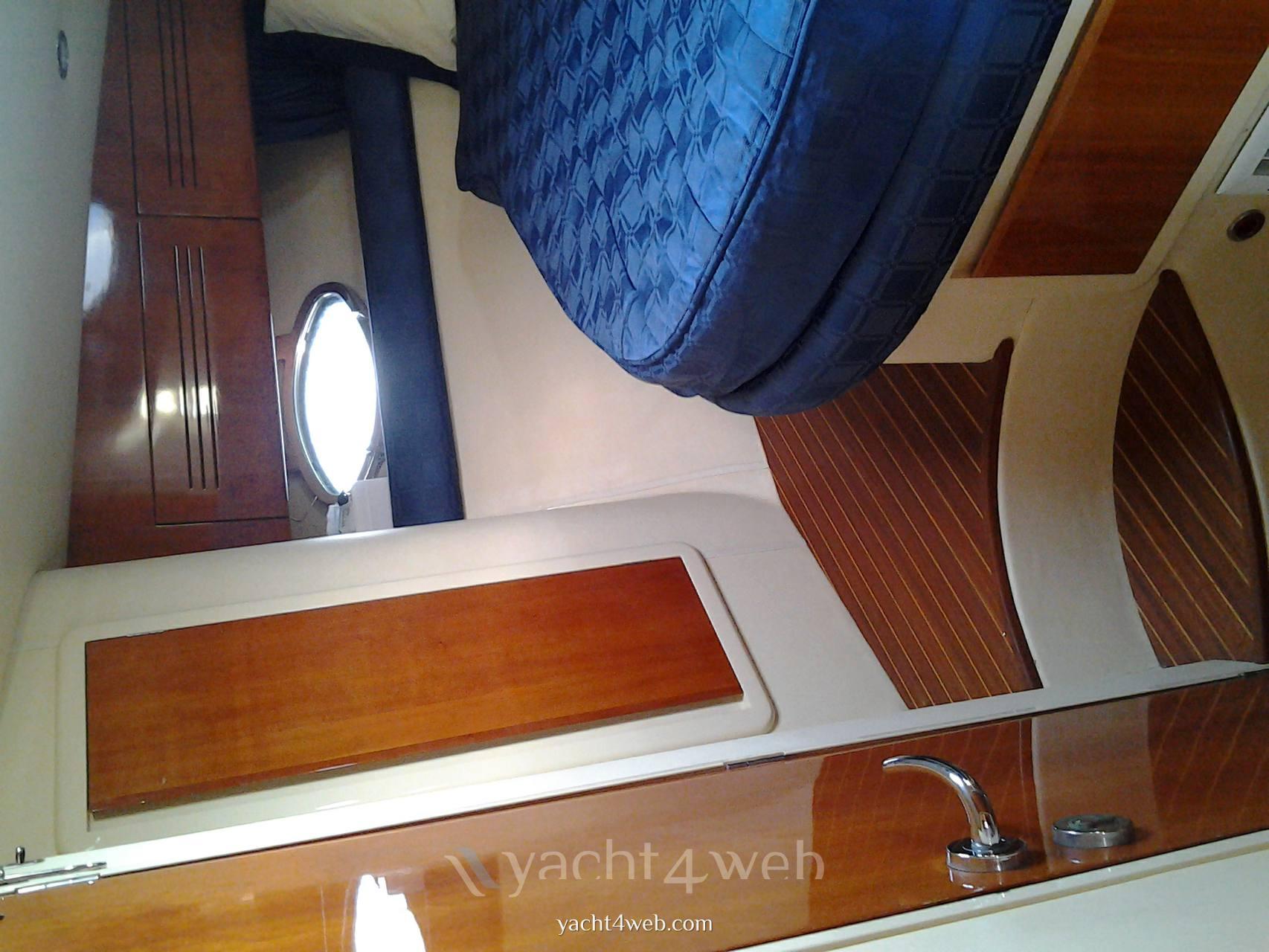 BRUNO ABBATE G43 bateau à moteur