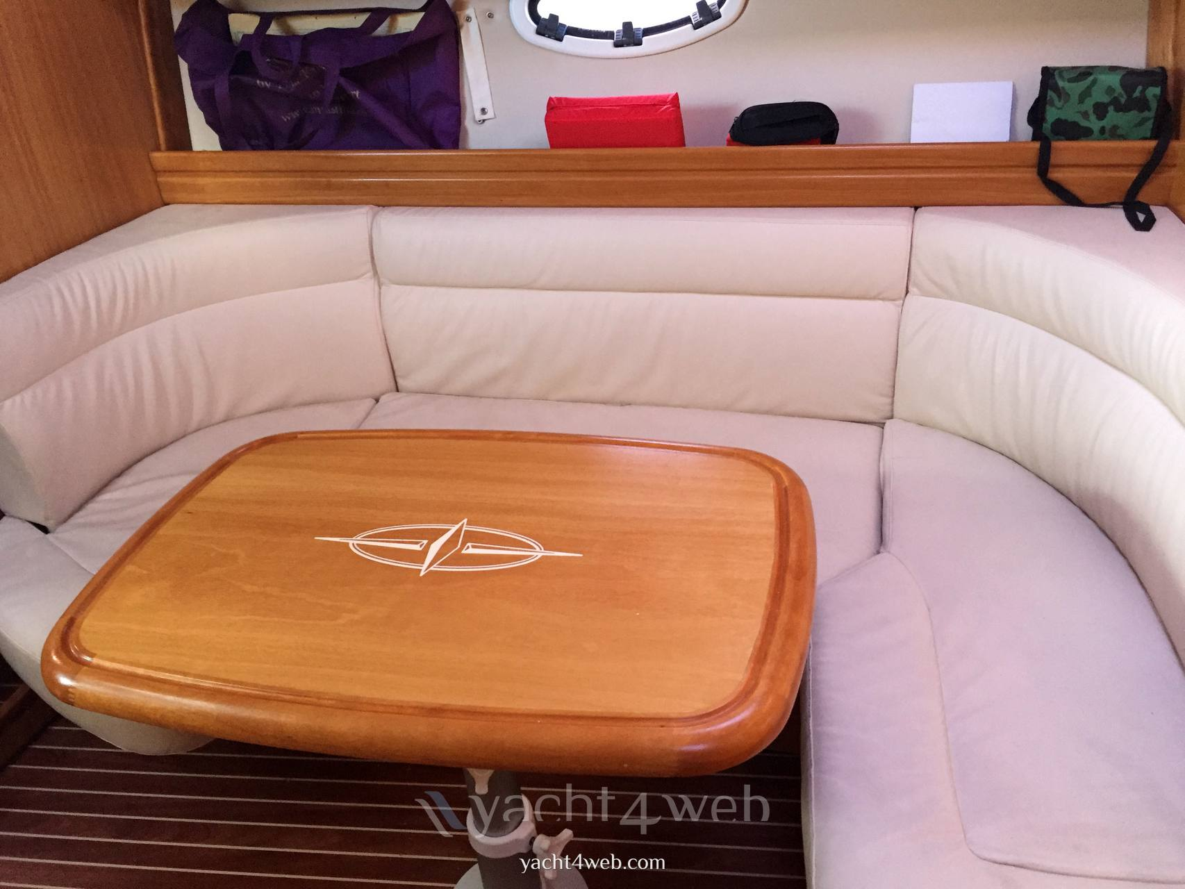 BAVARIA 33 sport Barca a motore usata in vendita