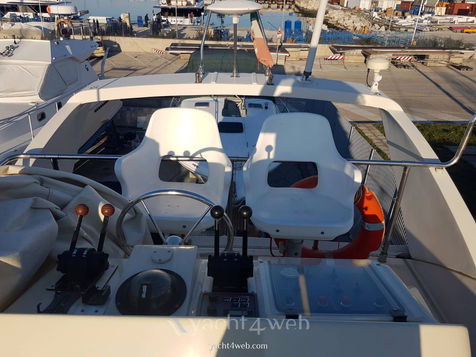 ARS MARE Rs 38 Flybridge occasion