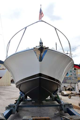 BERTRAM BERTRAM 28 FLY FISHERMAN