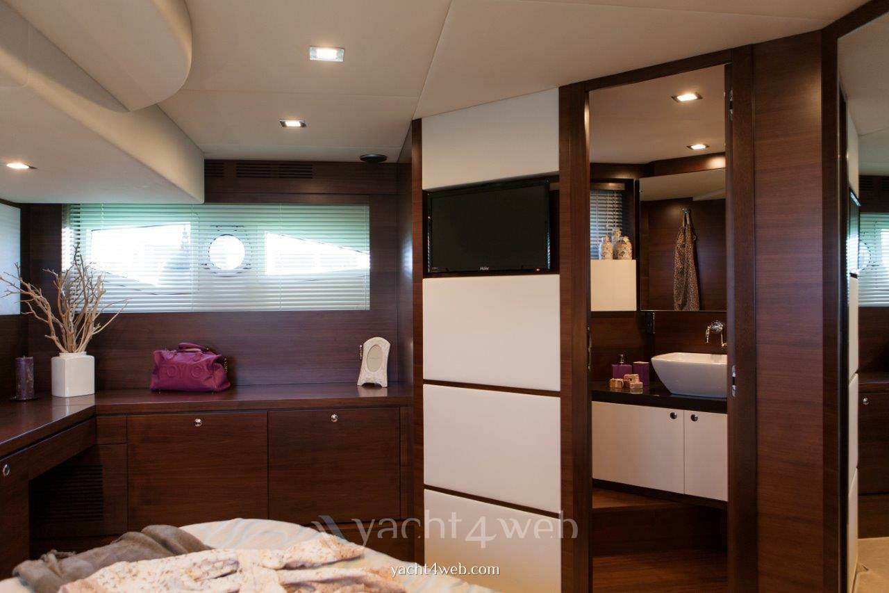 Queens yachts Queens 50 hard top new 2014
