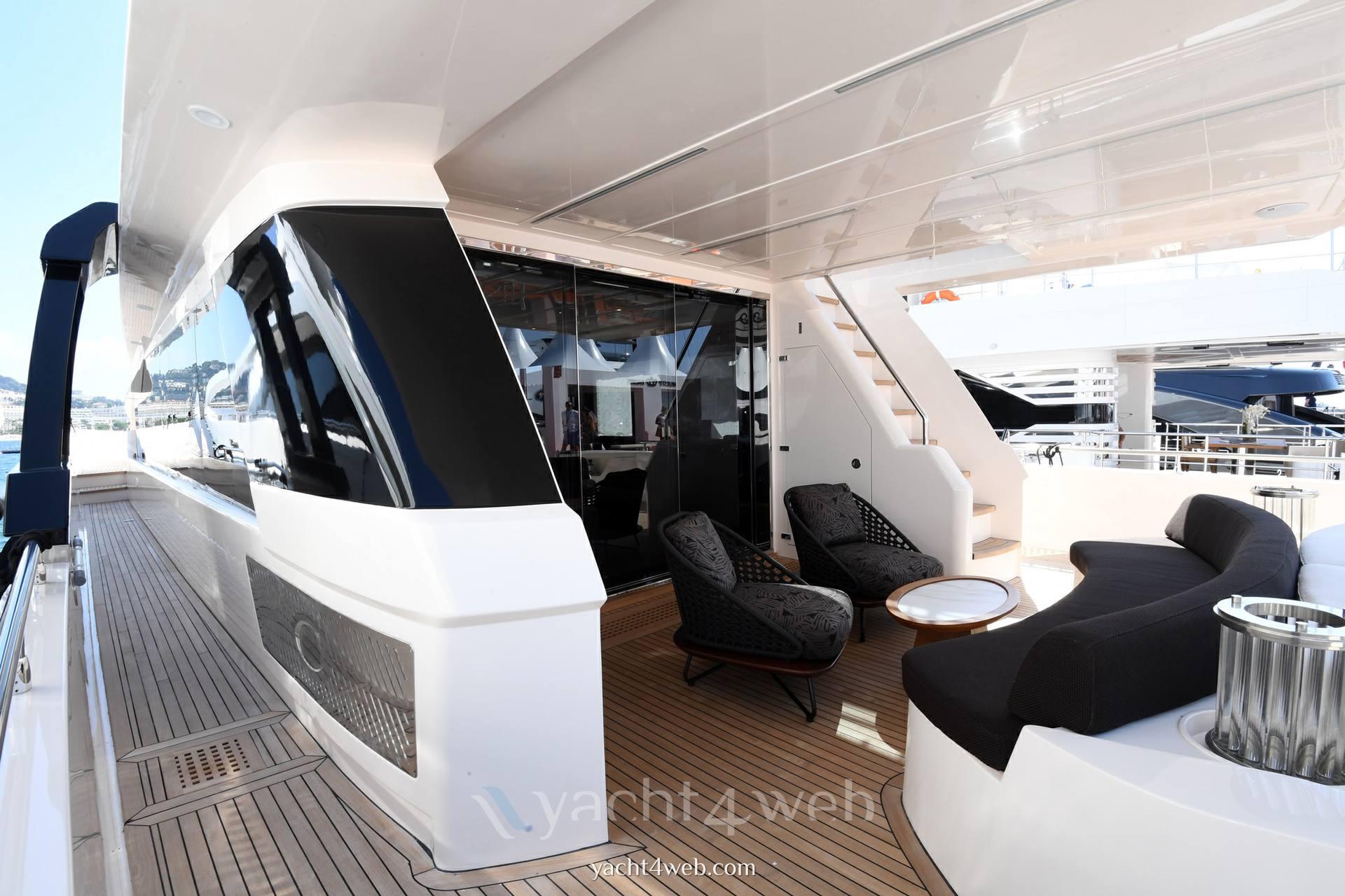 Cayman Yachts F920 Motor yacht