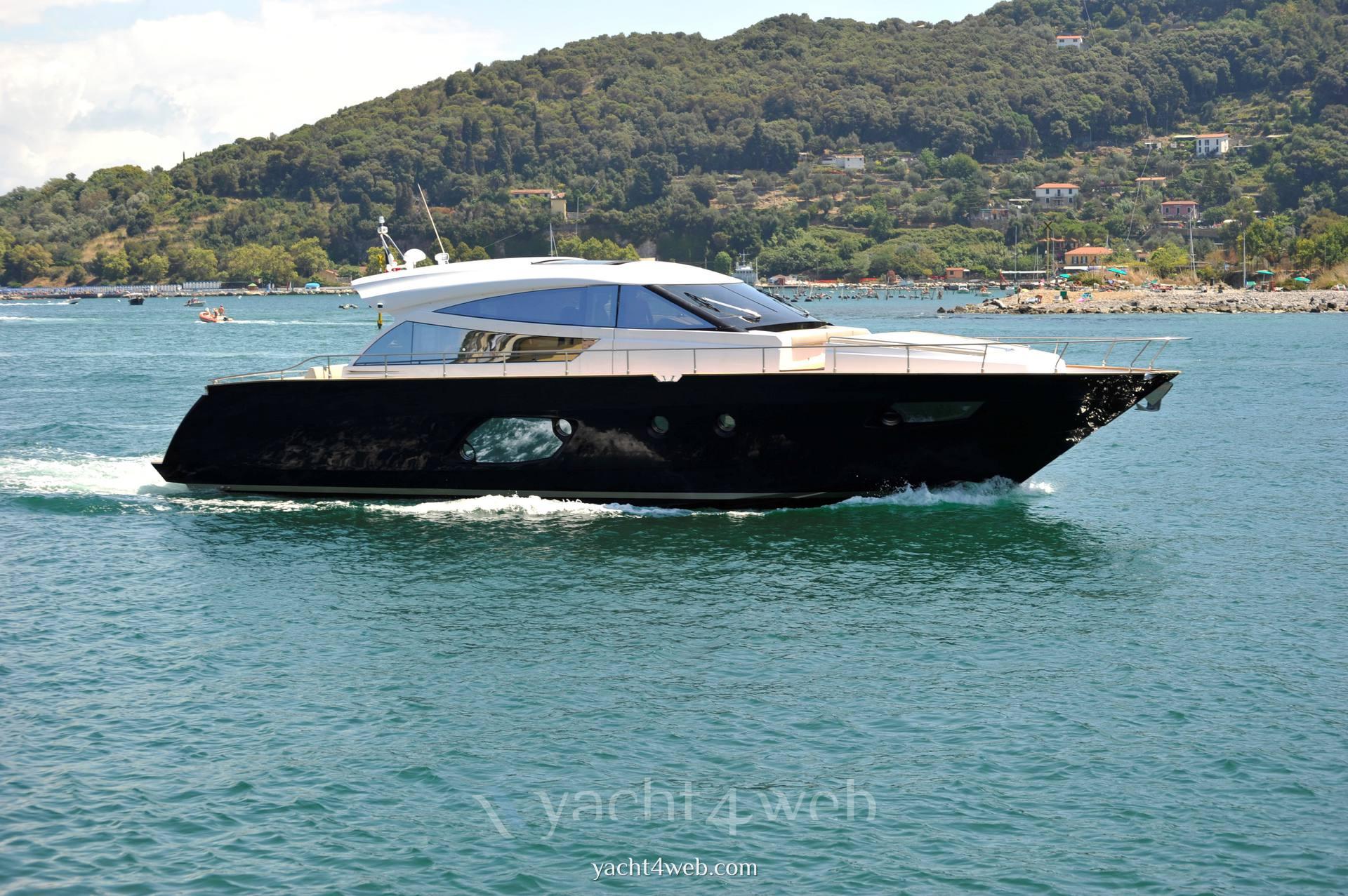 CAYMAN YACHTS 57 Motor Yacht Planante
