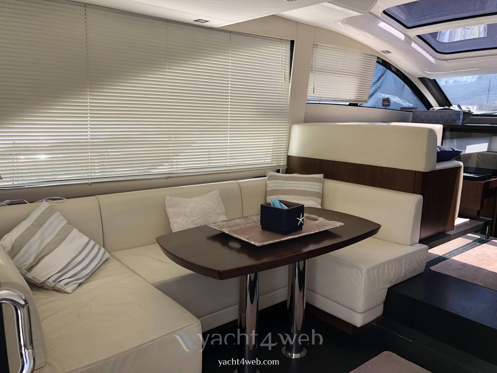 FAIRLINE Targa 48 gt bateau à moteur