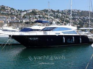 Cayman Yachts 57