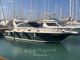 Cayman yachts 38 w.a.