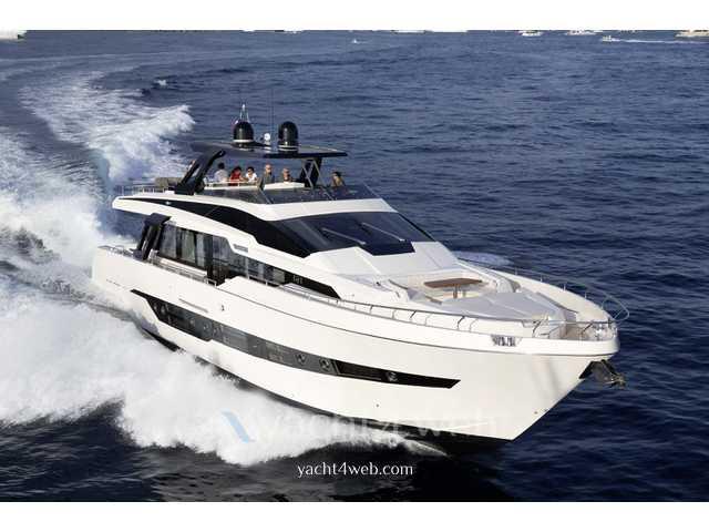 Cayman Yachts F920