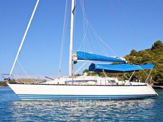 X-yacht 372