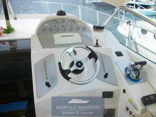 Manò marine M 35 ht motor boat