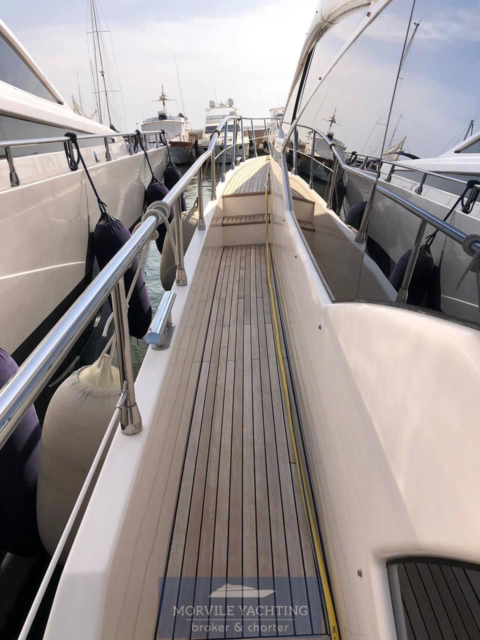 Azimut Az 70 barca a motore