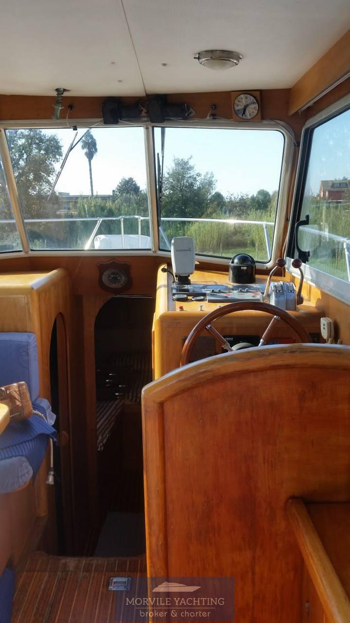 Patrone 25 Моторная лодка используется для продажи