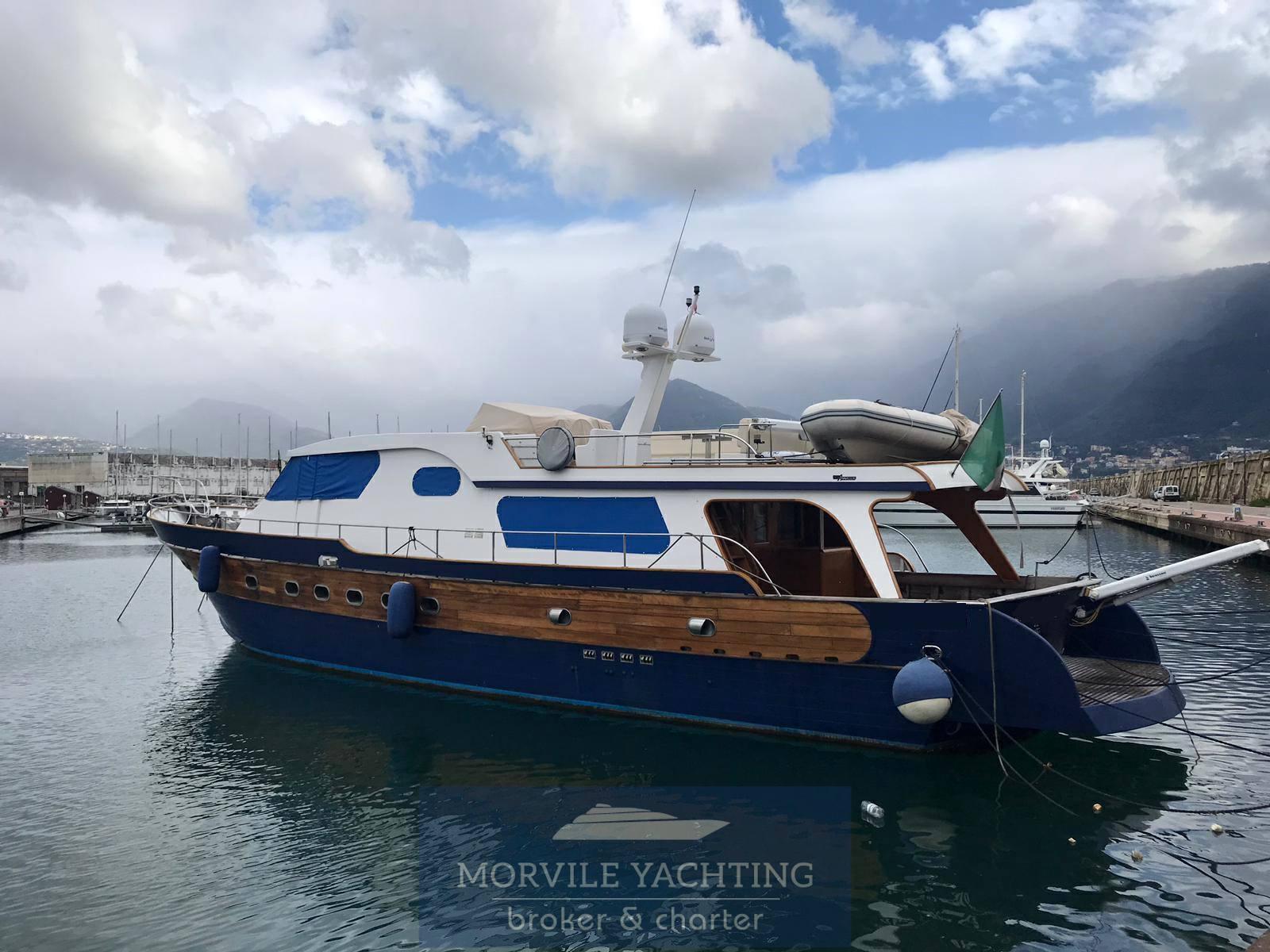 Cantiere nautico Azzurro 21 Motor boat charter