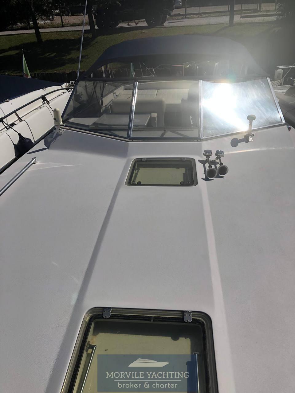 ITAMA 38 Express Cruiser