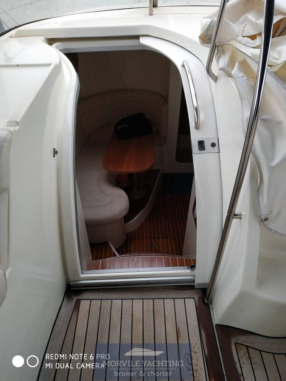 INNOVAZIONE E PROGETTI Mira 34 motor boat
