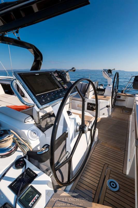 Beneteau Océanis yacht 62 sailing boat