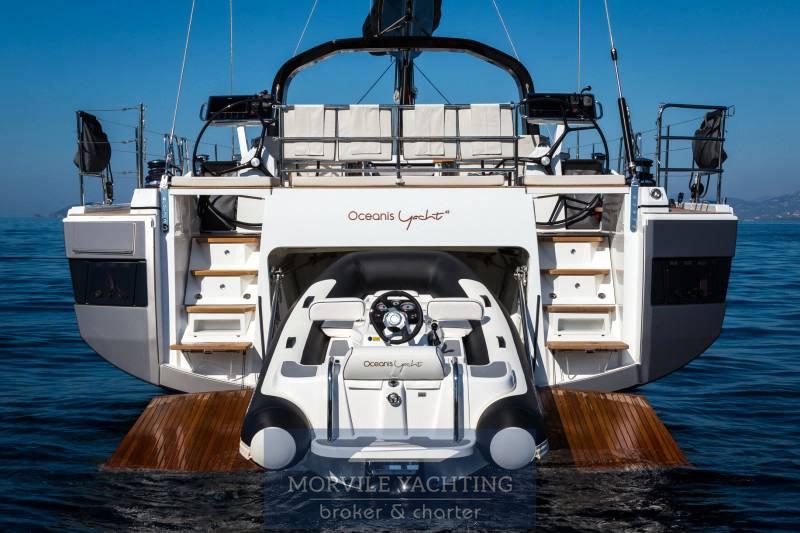 Beneteau Océanis yacht 62 charter