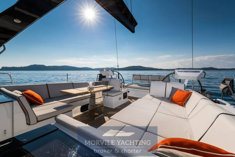 Beneteau Océanis yacht 62 Racer and Cruiser charter