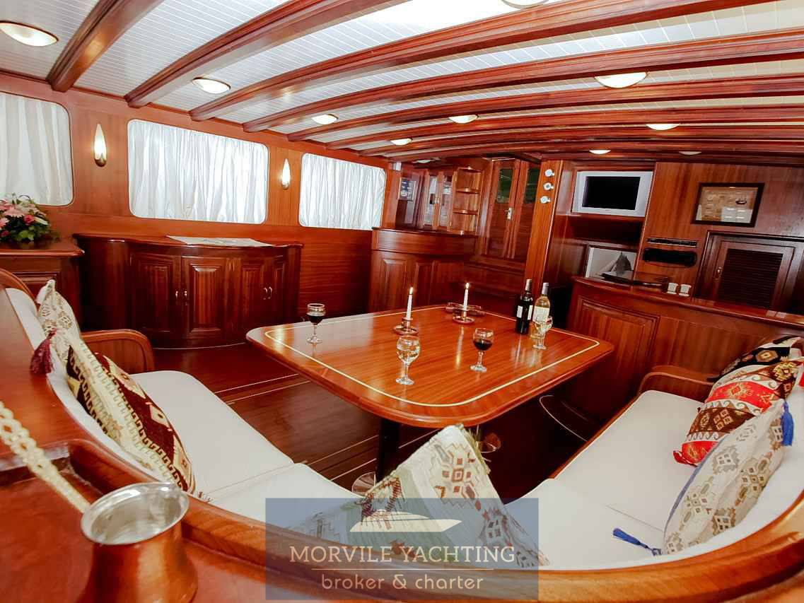Silver Star II Mazarin 72 charter