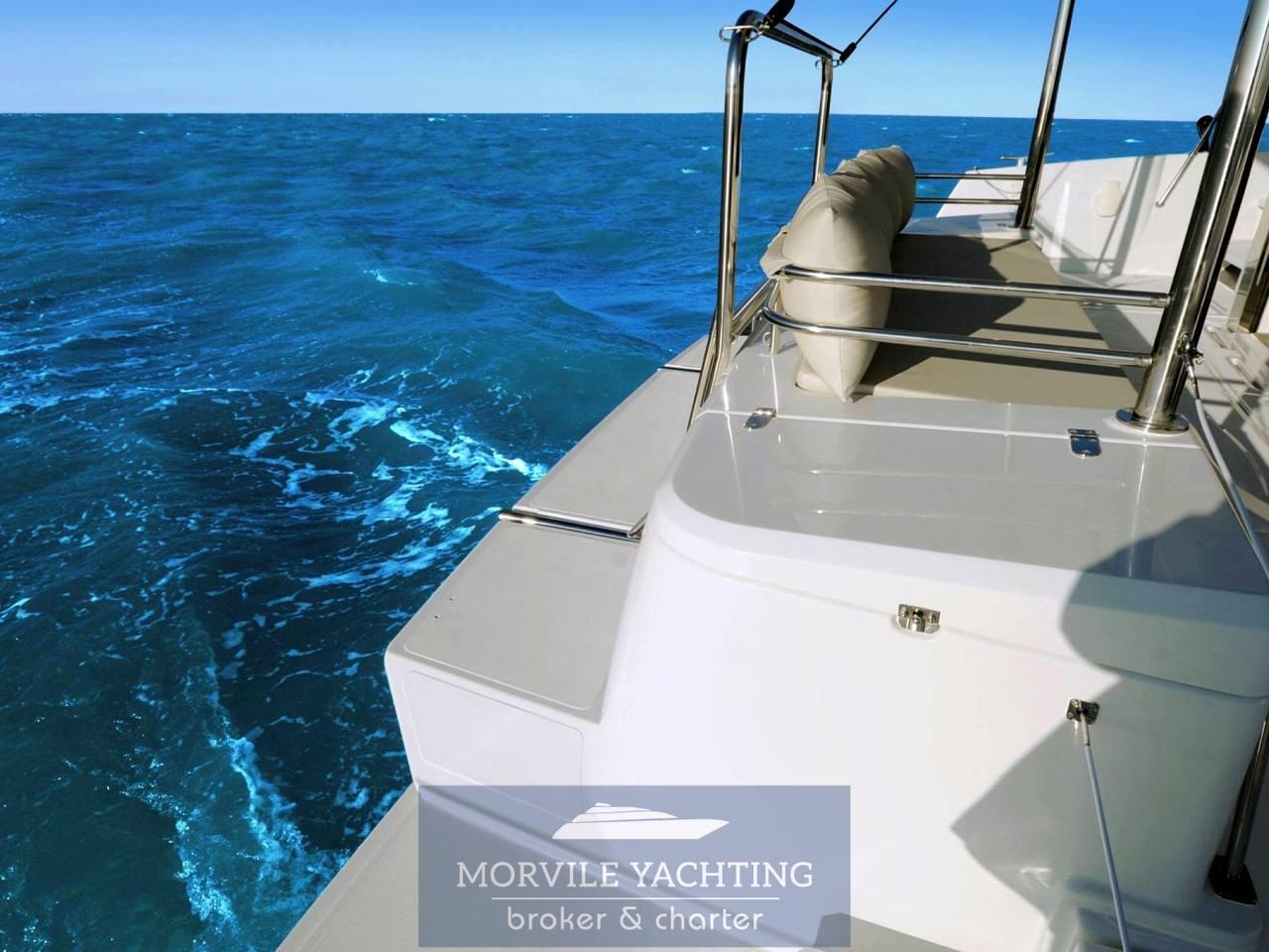 Bali 4.1 Catamarano barca a motore