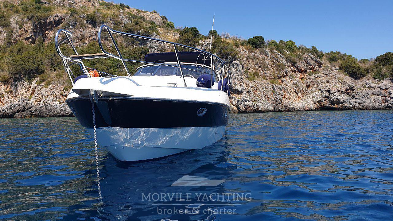 Sessa C35 motor boat