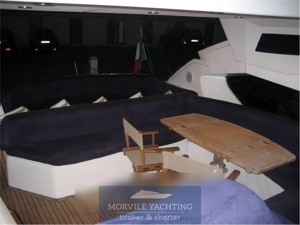 Sunseeker Predator 68 Barca a motore charter