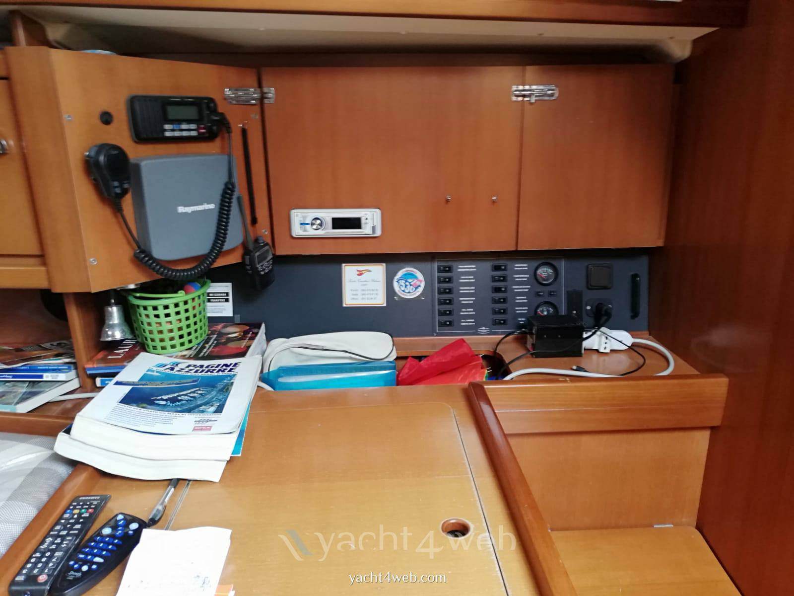 Dufour Yachts 385 grand large Inside