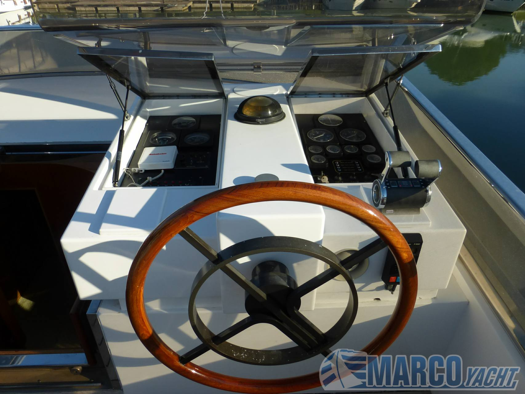 Cantieri navali liguri Ghibli - charter Motor boat charter