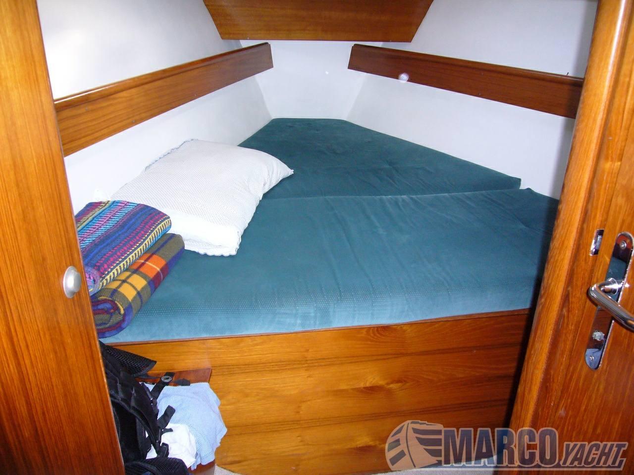Jeanneau Sun odyssey 37.2 sailing boat