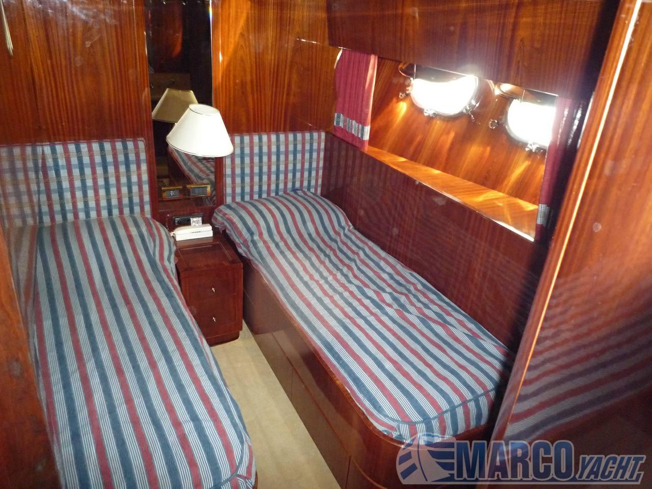Sanlorenzo 82 motor boat