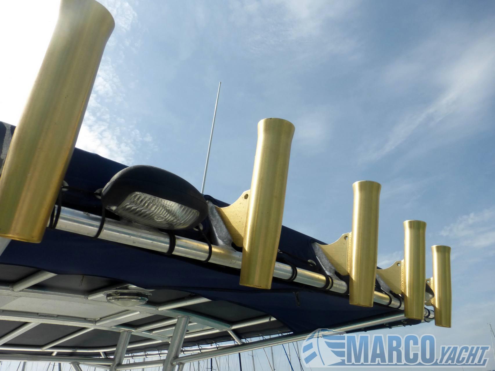 Boston whaler Outrage 270 barco de motor