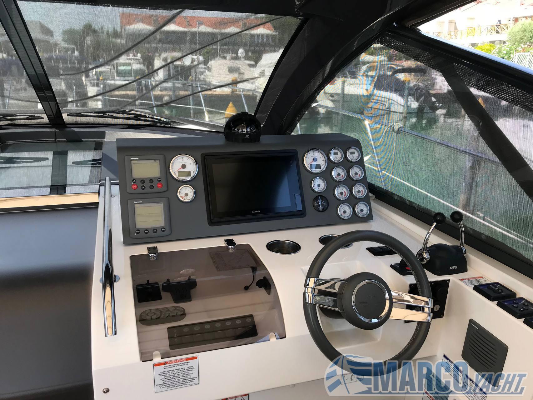 Sealine Sc 35 Моторная лодка используется для продажи