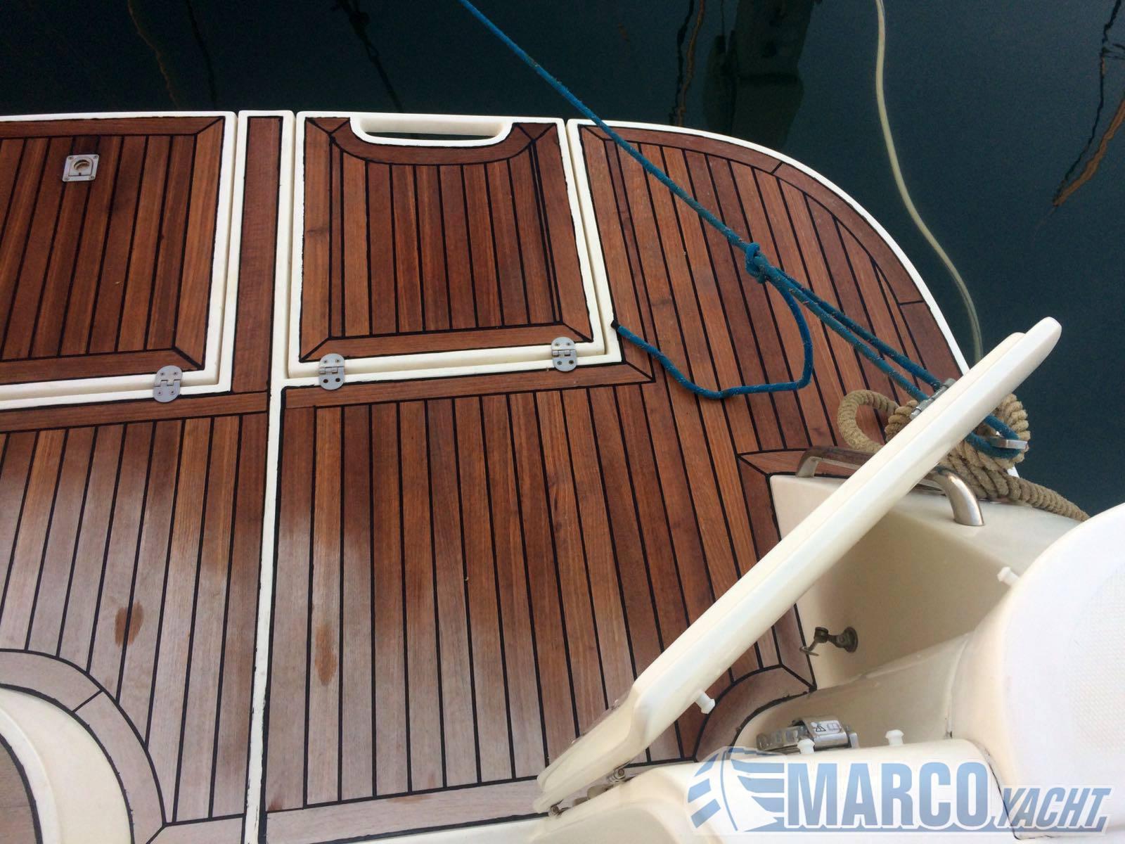 Innovazione e progetti Mira 36 motor boat