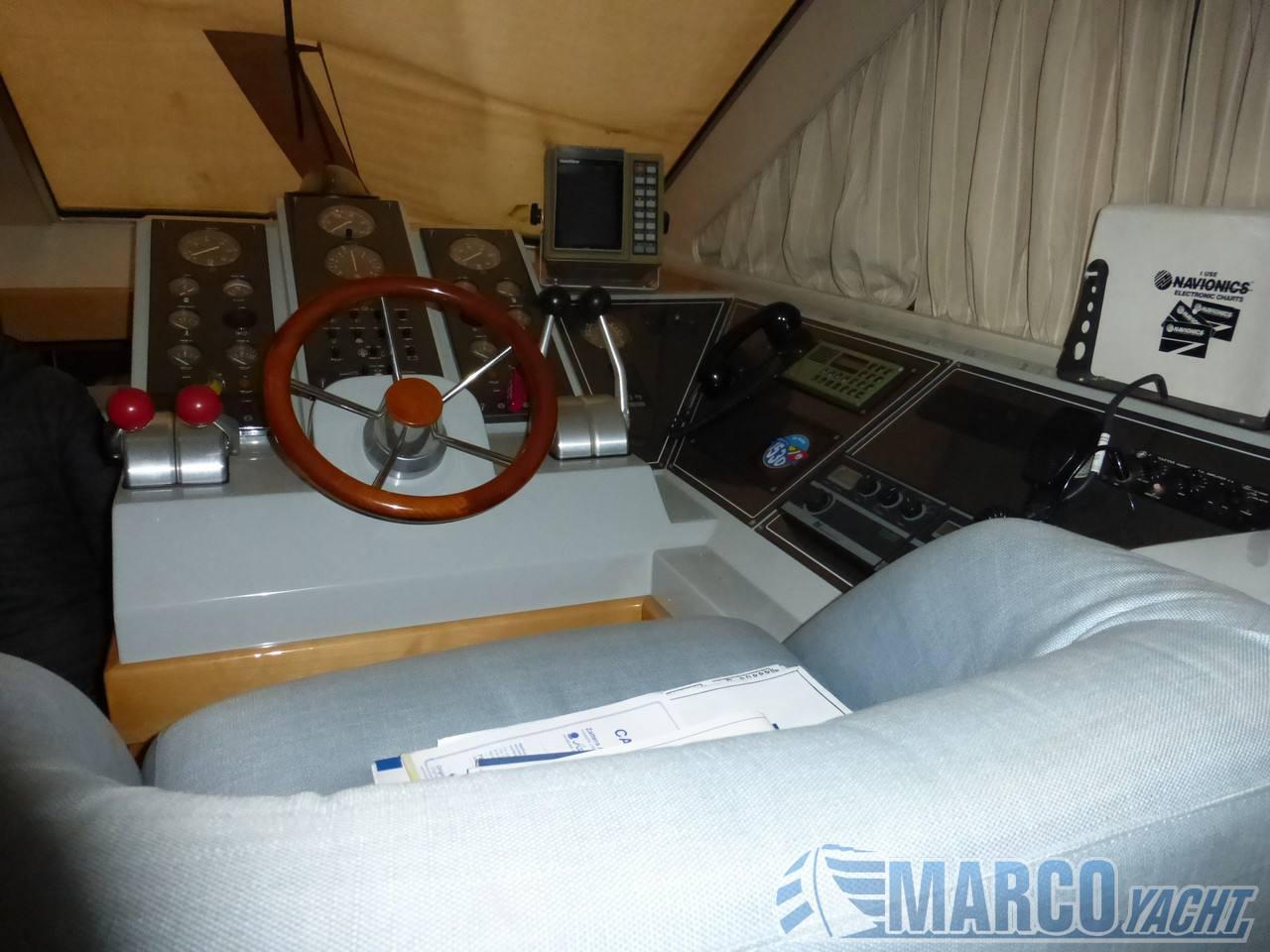 "Raffaelli Storm s"" barco a motor"