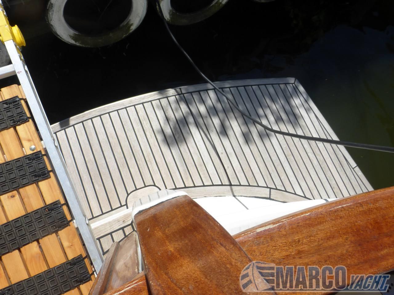 Menorquin 100 yacht