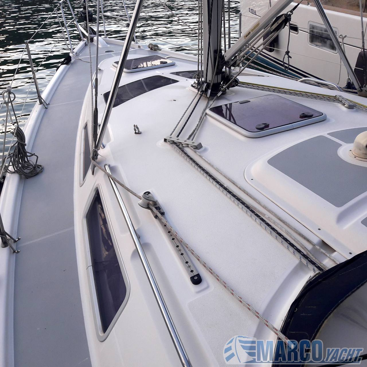 Hunter marine 356